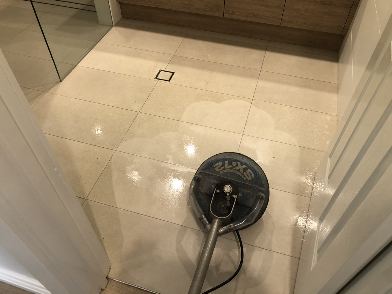 Professional tile & grout cleaning service Perth - Grouit Magic